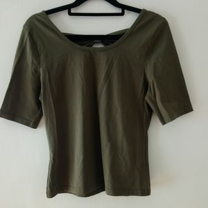 Princess highway. Green bow back top size 10